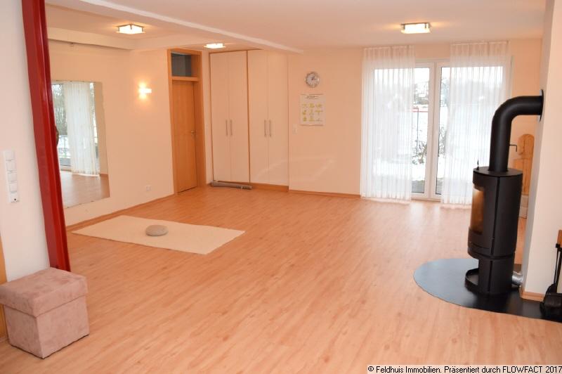 großer Wohnraum  EG rechts ist jetzt ein Yogaraum