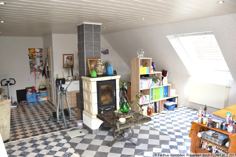 Zimmer mit Loggia II